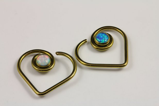 14g Niobium Heart with Opal