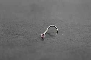 14kt White Gold 2mm Pink Nose Screw