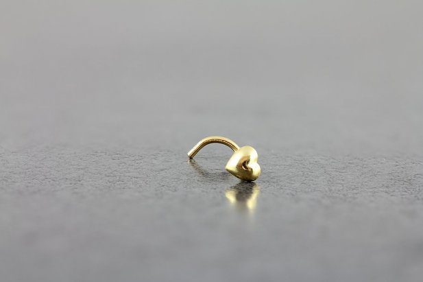 14kt Yellow Gold Heart Nose Screw
