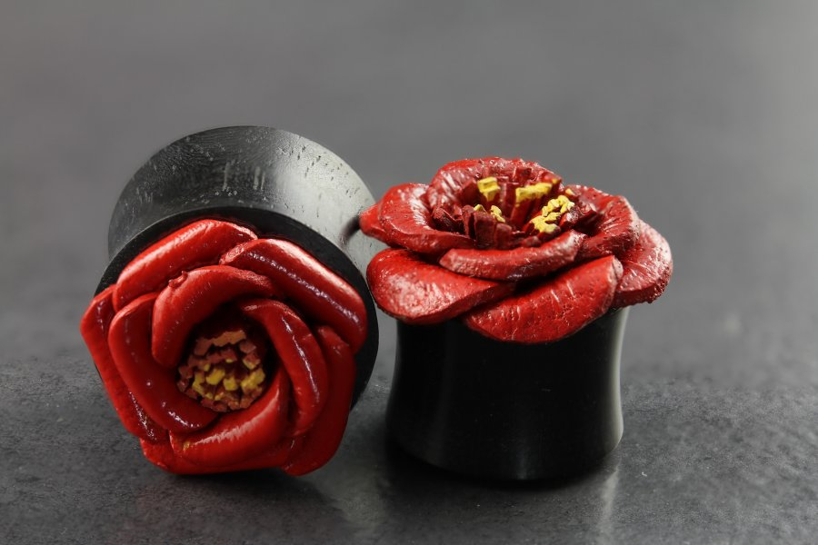 Image of Horn Plug with Red Painted Leather Flower
