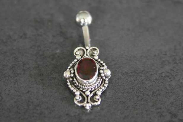 Image of Garnet Flower Belly Ring body piercing jewellery NZ