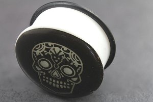 Acrylic Glow in the Dark Skull Single Flared Plugs