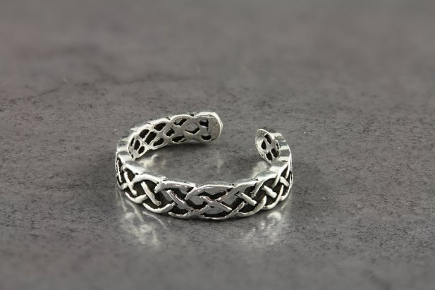 Celtic Banded Toe Ring