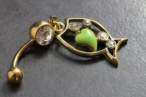 Crystal Gem Dangle Fish Belly Bar