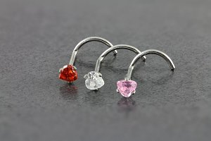 Cubic Zirconia Heart Nose Screw