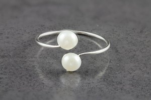 Dainty Pearl Toe Ring