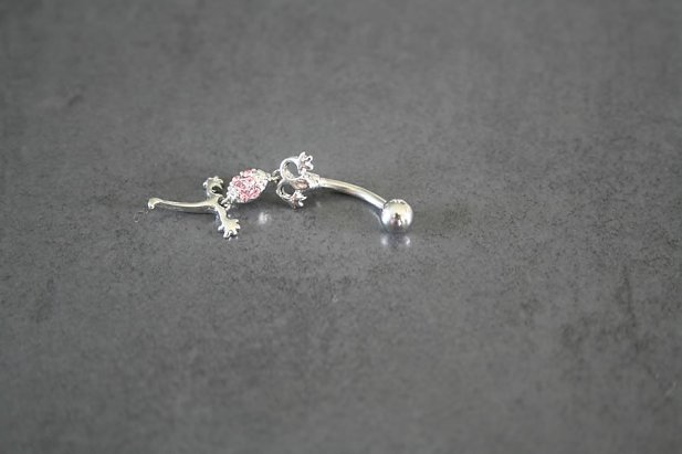 Dancing Gecko Belly Ring