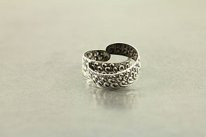 Engraved Wave Toe Ring