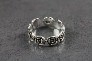 Garden Rose Toe Ring