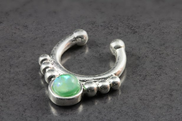 Green Opal Silver Clip On Setum Ring