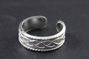 Infinity Detailed Toe Ring