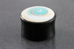 Shell Inlay Horn Organic Plugs