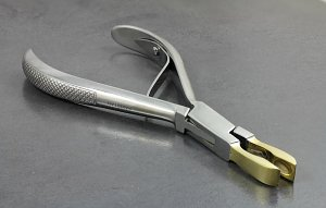 Small Ring Closing Pliers with Brass Tips