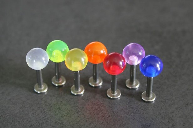 UV Labrets